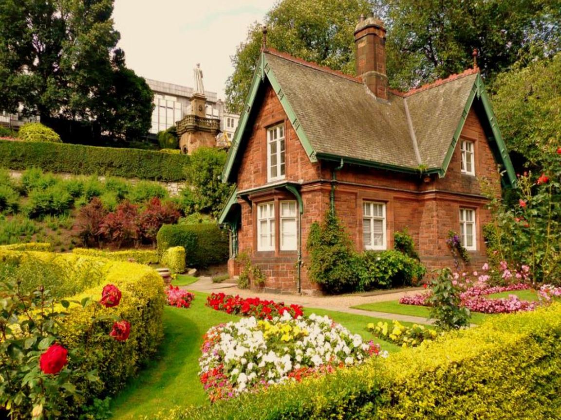Красивые дома своими руками фото